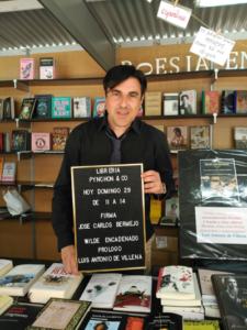 firma de Wilde Encadenado en la Feria del Libro de Alicante