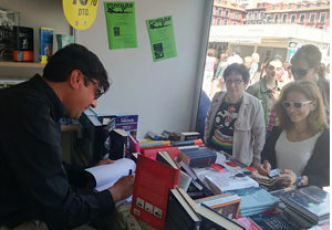 Firma de la novela Wilde Encadenado en la Feria del Libro de Valladolid. 2018